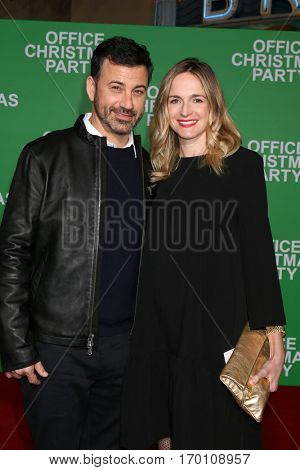 LOS ANGELES - DEC 7:  Jimmy Kimmel, wife at the