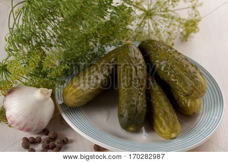 Pickled cucumbers with dill, garlic and peppercorns