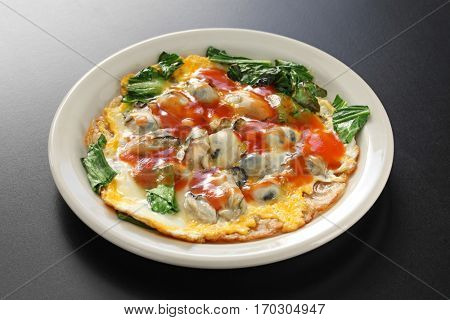 taiwanese oyster omelet