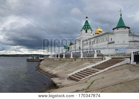 KOSTROMA, RUSSIA - SEPTEMBER 08, 2016: Rainy September day at the Ipatievskiy monastery. Kostroma the Golden ring of Russia