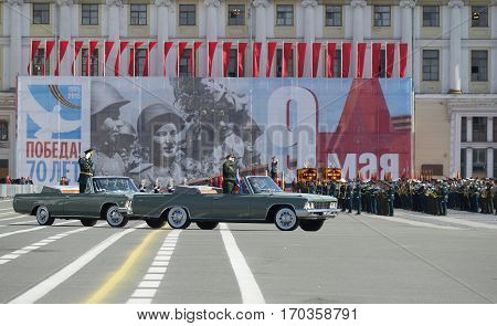 SAINT PETERSBURG, RUSSIA - MAY 05, 2015: The commander of ZVO Colonel-General A. A. Sidorov takes a rehearsal of parade in honor of Victory day. Saint Petersburg