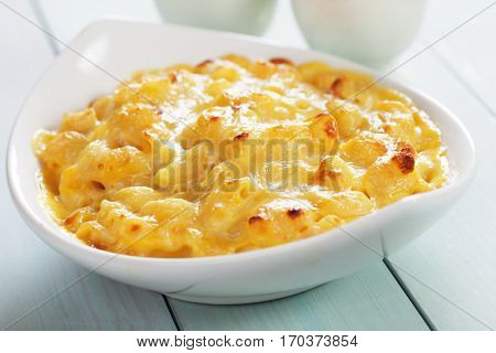 American mac and cheese, macaroni pasta with cheesy sauce