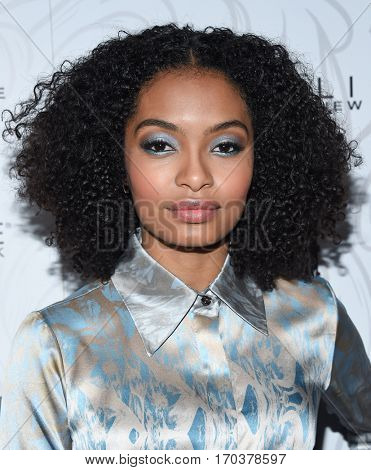 LOS ANGELES - JAN 28:  Yara Shahidi {Object} arrives to the Entertainment Weekly Pre Sag Awards Celebration on January 28, 2017 in Hollywood, CA