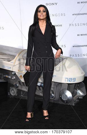 LOS ANGELES - DEC 14:  Rachel Roy arrives to the