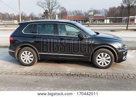 Volkswagen Tiguan, 4X4 R-line, Side View