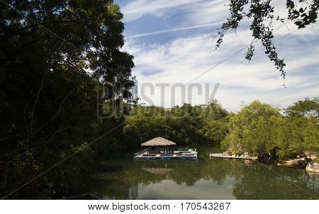 Little House on the river for a very romantic people or fishermen