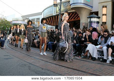 LOS ANGELES - FEB 4:  Coco Rocha (Blonde), models at the Rebecca Minkoff's