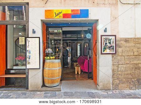 Luna Store Entrance