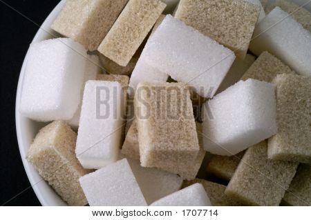 Bowl Wit White And Brown Sugar Closeup (2)