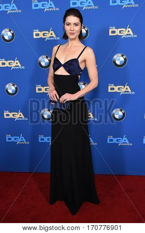 LOS ANGELES - FEB 04:  Mary Elizabeth Winstead arrives for the 69th Annual DGA Awards on February 4, 2017 in Beverly Hills, CA