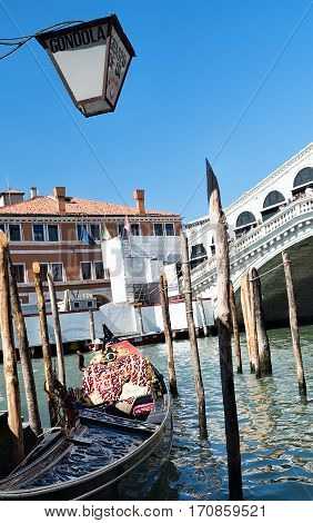 Rialto bridge in Venice Italy. Grand Canal. Architecture and landmarks of Venice.