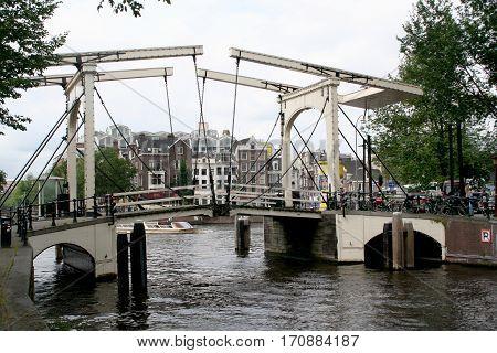 Walter Suskindbrug Over New Herengracht