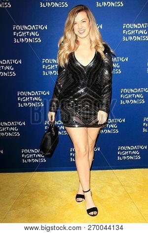 LOS ANGELES - NOV 17: Lindsay Hoffman at the 2018 Emerald City Gala Visionary Awards Dinner at the Bel Air Country Club on November 17, 2018 in Los Angeles, California