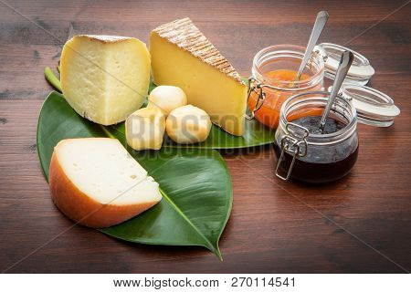 Mixed Cheese With Jam Fruit With Green Leaf