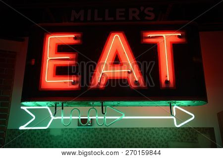 Findlay, Oh, May 30th, 2018, Old Fashioned, Neon Light Restaurant Diner Sign, Eat, Arrow, Red And Gr