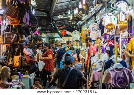 Bangkok, Thailand - November 2018: Group Of People At The Night Market In Bangkok, Thailand