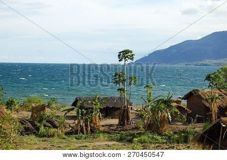 The Shore Of Lake Malawi - Malawi