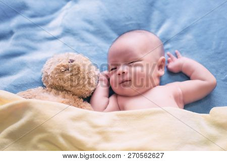kids,baby,child,sleeping,boy,girl,newborn,asian,adorable,beautiful,bed,birth,body,caucasian,cheerful