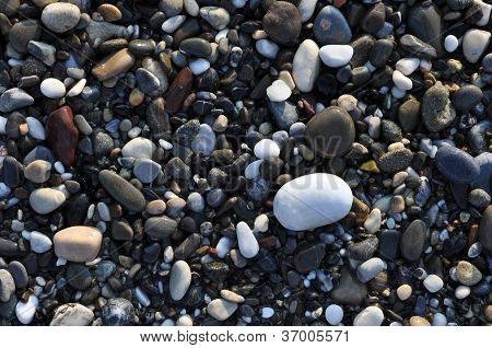 farbigen Kieselsteinen für Hintergrund
