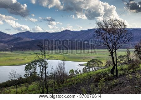 The Blowering Reservoir Of The Tumut River In New South Wales, Australia At A Cloudy Day In Summer.