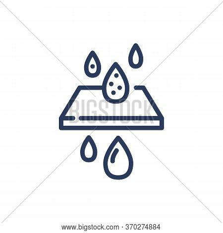 Water Purifying Thin Line Icon. Filter, Drops, Filtration, Membrane Isolated Outline Sign. Fresh Wat