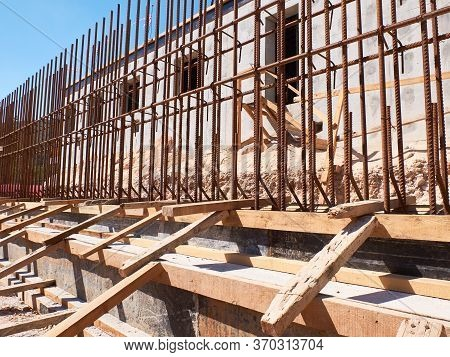 Metal Reinforcement Framework And Formwork Of Retaining Wall