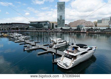 Sydney, Australia - Nov 14, 2017 : Sydney Downtown Skyline At Darling Harbour Bay, Business And Recr