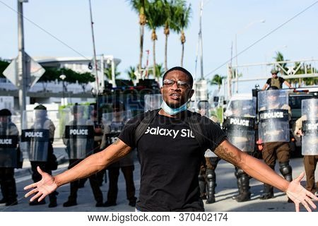 Miami Downtown, Fl, Usa - May 31, 2020: Miami Protest Live. Police And Protesters In Florida. Protes