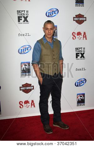 LOS ANGELES - SEP 8:  Theo Rossi arrives at the