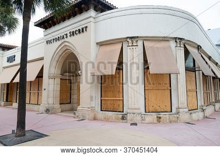 Miami Beach, Fl, Usa - June 7, 2020: American Stores Protect Storefronts From Burglars. Nationwide P