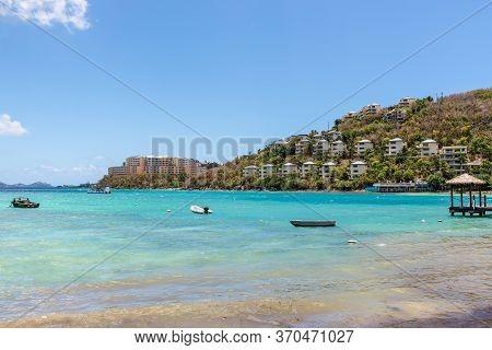 Smith Bay, St. Thomas, U.s. V. Islands (usvi) - April 30, 2019: View Of The Water Bay In St Thomas,