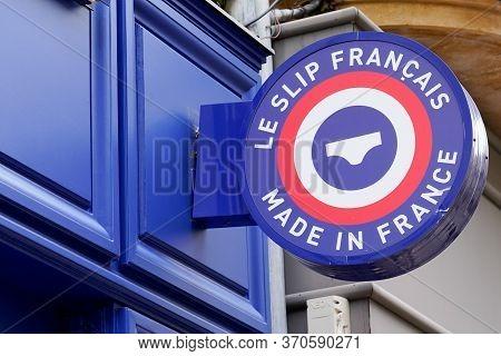 Bordeaux , Aquitaine / France - 05 10 2020 : Le Slip Francais Sign Store Logo Brand French Briefs Sh