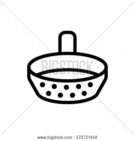 Sieve With Handle Icon Vector. Sieve With Handle Sign. Isolated Contour Symbol Illustration
