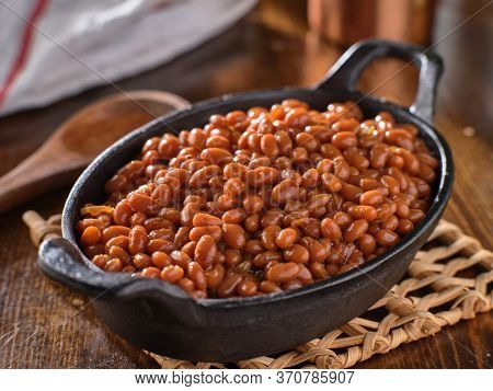 baked beans in cast iron skillet