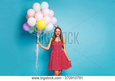 Portrait Of Her She Nice-looking Attractive Lovely Pretty Cute Straight-haired Girl Holding Bunch Ai