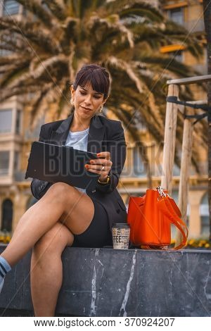 Entrepreneurial Session, A Young Businesswoman On Break From Work. Preparing The Next Meeting With A