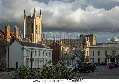 Bury St Edmunds, Uk - September 17, 2011:  Centre Of The Suffolk Town Of Bury St Edmunds On A Late S