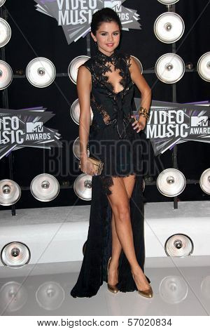 Selena Gomez at the 2011 MTV Video Music Awards Arrivals, Nokia Theatre LA Live, Los Angeles, CA 08-28-11