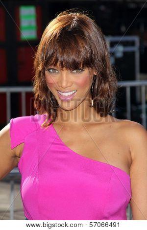 Tyra Banks at the 2011 VH1 Do Something Awards, Hollywood Palladium, Hollywood, CA 08-14-11