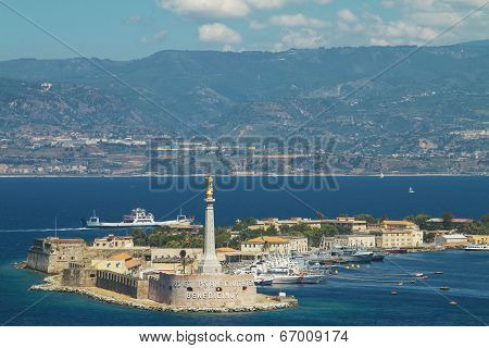 Scenic view of the Italian port of Messina.