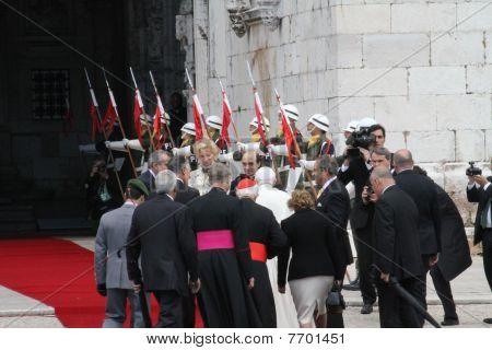 Papa Bento XVI entrando Mosteiro dos Jerónimos