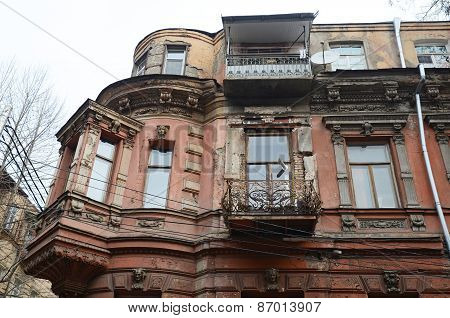 Eclectic of Tbilisi - old house on the Lado Asatiani street