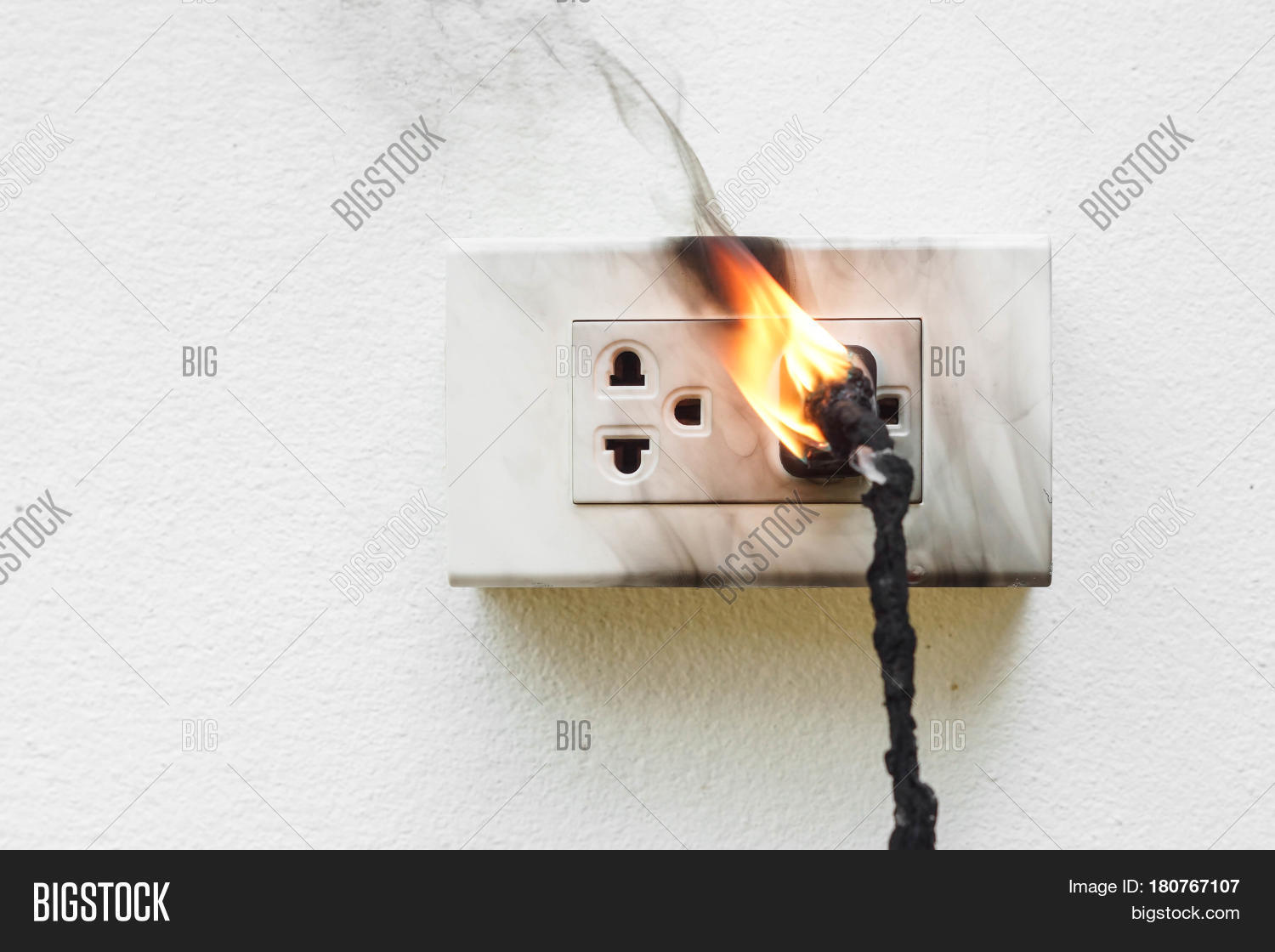 Electrical Short Circuit : Electricity short circuit image photo bigstock