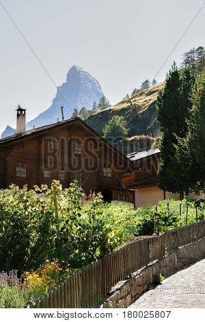 Traditional Swiss Chalet At Zermatt And Matterhorn Summit