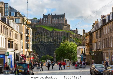 Street Scene With View To The Edinburgh Castle