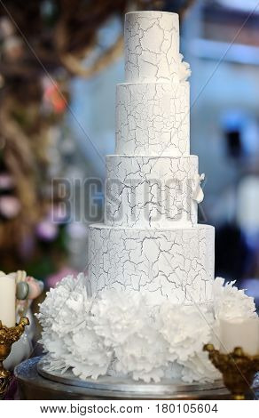 Traditional Anniversary/wedding Multi-layer Cake With Flowers