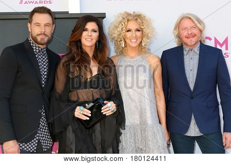 LAS VEGAS - APR 2:  Little BIg Town, Jimi Westbrook, Karen Fairchild, Kimberly Schlapman, Philip Sweet at the Academy of Country Music Awards 2017 at T-Mobile Arena on April 2, 2017 in Las Vegas, NV