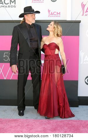 LAS VEGAS - APR 2:  Trace Adkins, Victoria Pratt at the Academy of Country Music Awards 2017 at T-Mobile Arena on April 2, 2017 in Las Vegas, NV