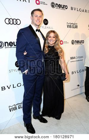 LOS ANGELES - FEB 26:  Andrew East, Shawn Johnson at the Elton John Oscar Viewing Party 2017 at the City of West Hollywood Park on February 26, 2017 in West Hollywood, CA