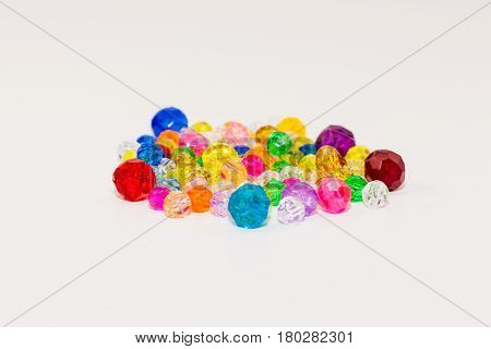 various colors and sizes of loose beads